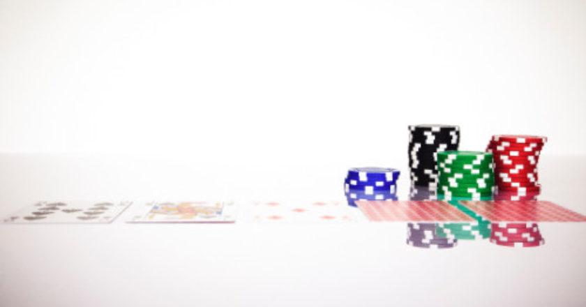 Optimize Your Chances of Winning at Online Blackjack, playing blackjack, betting strategy, blackjack, basic blackjack strategy