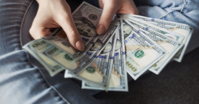 Exchanging Foreign Currency, Foreign Currency, credit cards, exchange rates, exchange rate