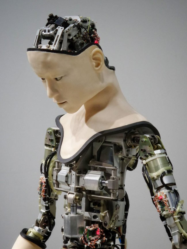 Technological Trends, connected devices, supercomputers, AI machines, Internet of things