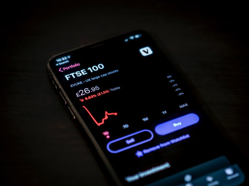 Metatrader Platforms, Mobile Trading Apps, Mobile Apps Available to Traders, Benefits of Mobile Trading Apps, Mobile Trading Apps Available to Traders