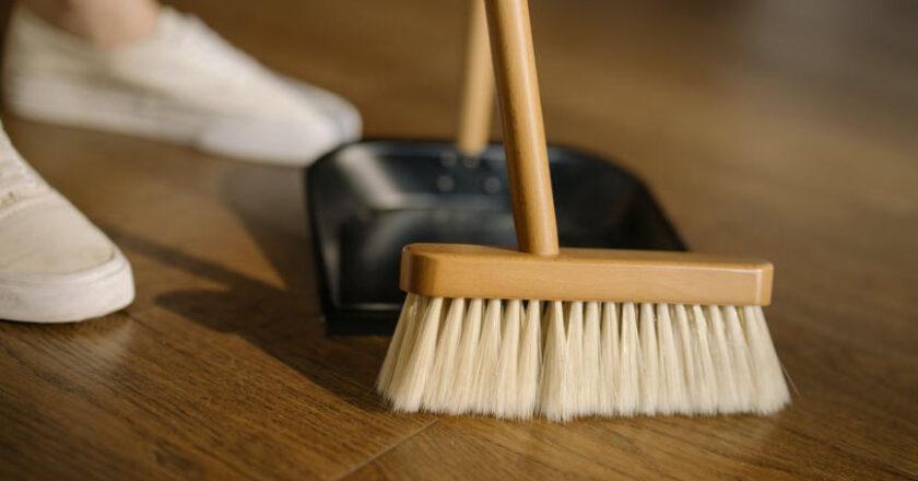 Spring Cleaning, Sweeping, broom, dustpan,